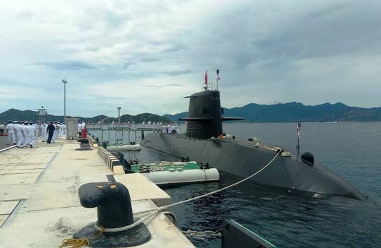 Tàu ngầm huấn luyện Nhật Bản thăm Việt Nam