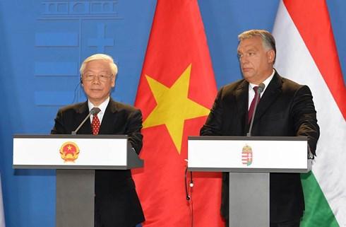 """Nâng khuôn khổ quan hệ Việt Nam - Hungary lên tầm """"Đối tác toàn diện"""""""