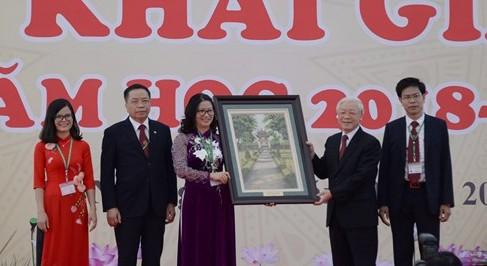 Tổng Bí thư Nguyễn Phú Trọng dự lễ khai giảng năm học mới tại Học viện Nông nghiệp Việt Nam.