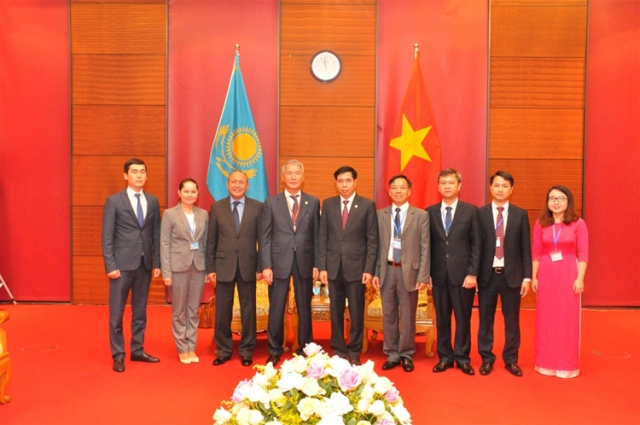 Phó Tổng Kiểm toán nhà nước Nguyễn Tuấn Anh tiếp Phó Tổng Kiểm toán nhà nước Cộng hoà Kazakhstan