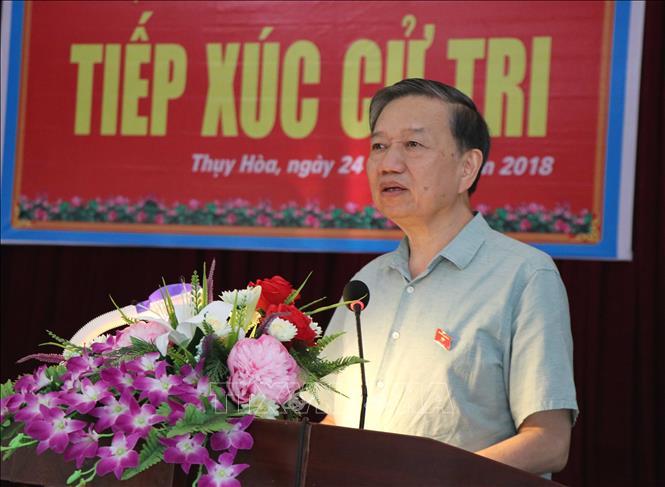 Bộ trưởng Bộ Công an tiếp xúc cử tri tại Bắc Ninh