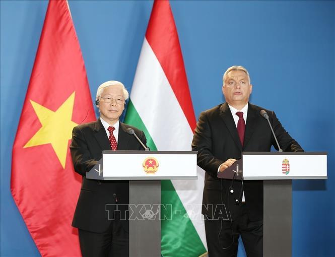 Tuyên bố chung Việt Nam - Hungary về việc thiết lập quan hệ đối tác toàn diện