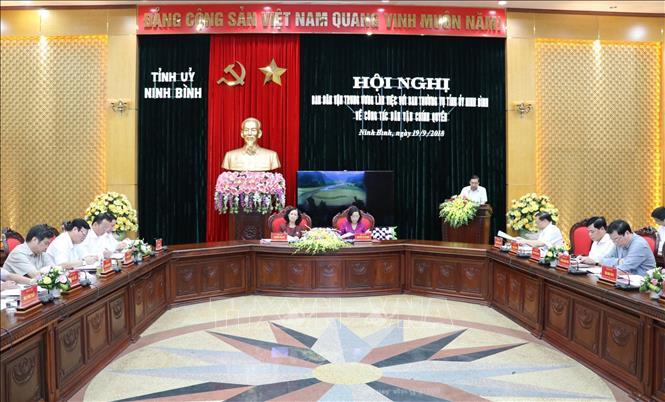 Trưởng ban Dân vận Trung ương Trương Thị Mai làm việc với Ban Thường vụ Tỉnh ủy Ninh Bình