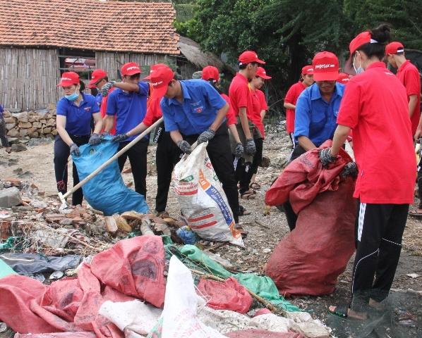 """1.282 tấn rác thải được thu gom qua Chiến dịch """"Hãy làm sạch biển"""""""