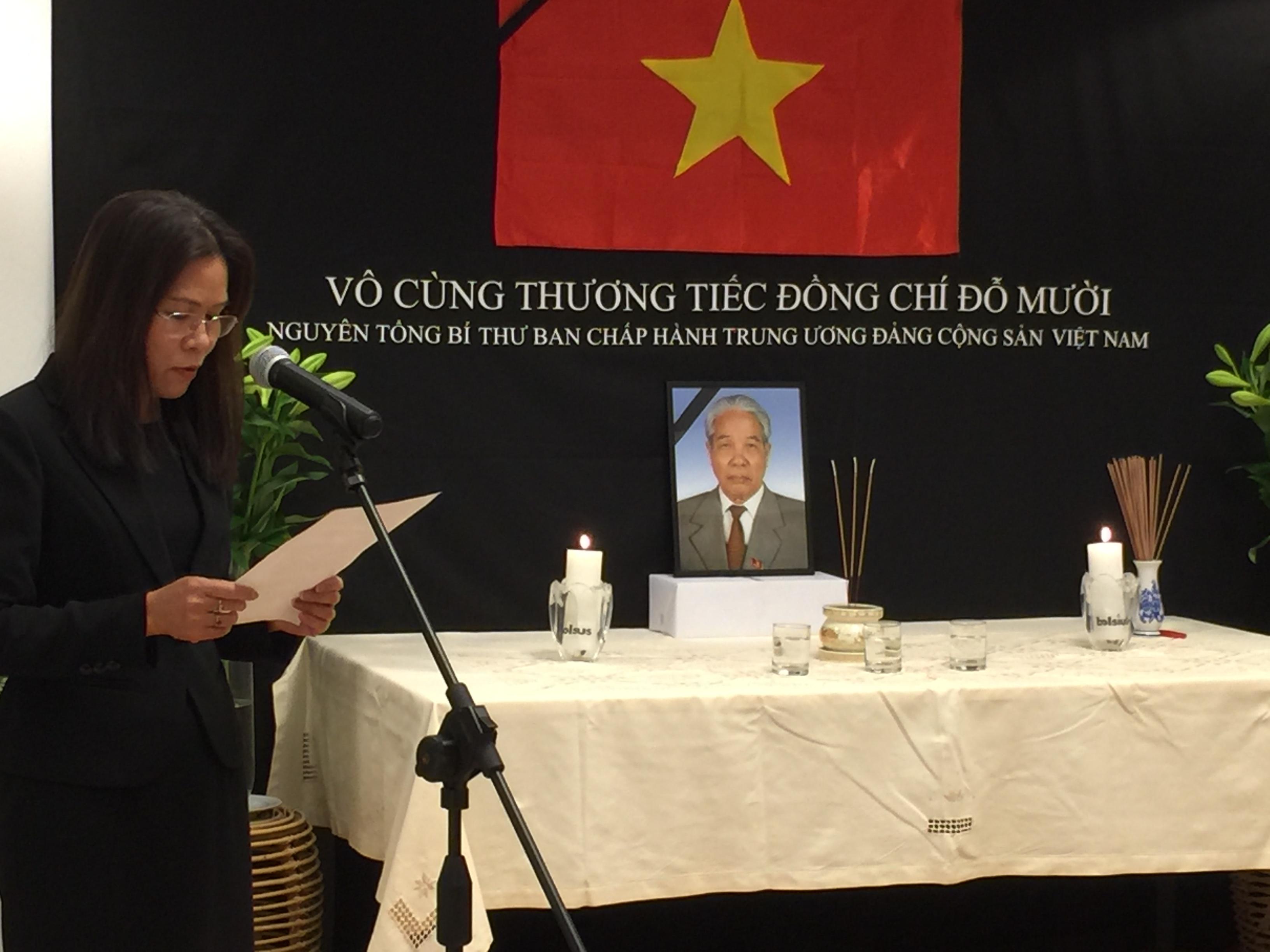 Đại sứ quán Việt Nam tại Hà Lan tổ chức lễ viếng nguyên Tổng Bí thư Đỗ Mười