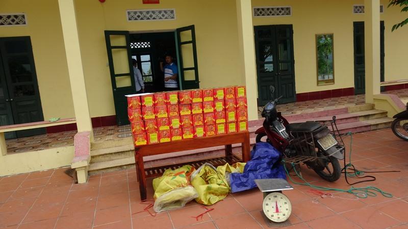 Quảng Ninh: Bắt giữ vụ vận chuyển 120 kg pháo lậu qua biên giới  