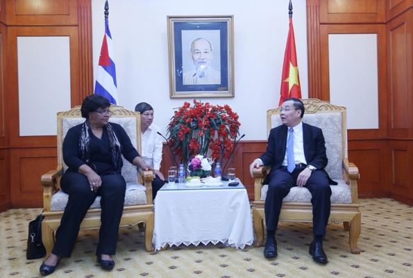 Việt Nam - Cuba đẩy mạnh hợp tác về khoa học và công nghệ