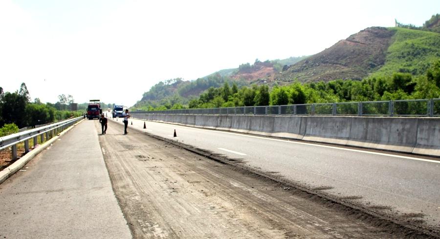 Tiến hành sửa chữa cao tốc Đà Nẵng - Quảng Ngãi