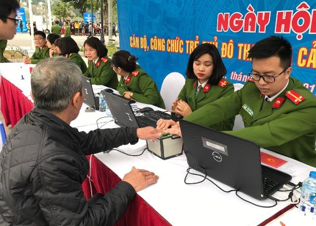 Hà Nội chấm dứt triệt để sử dụng lao động hợp đồng làm công tác chuyên môn tại cơ quan, đơn vị
