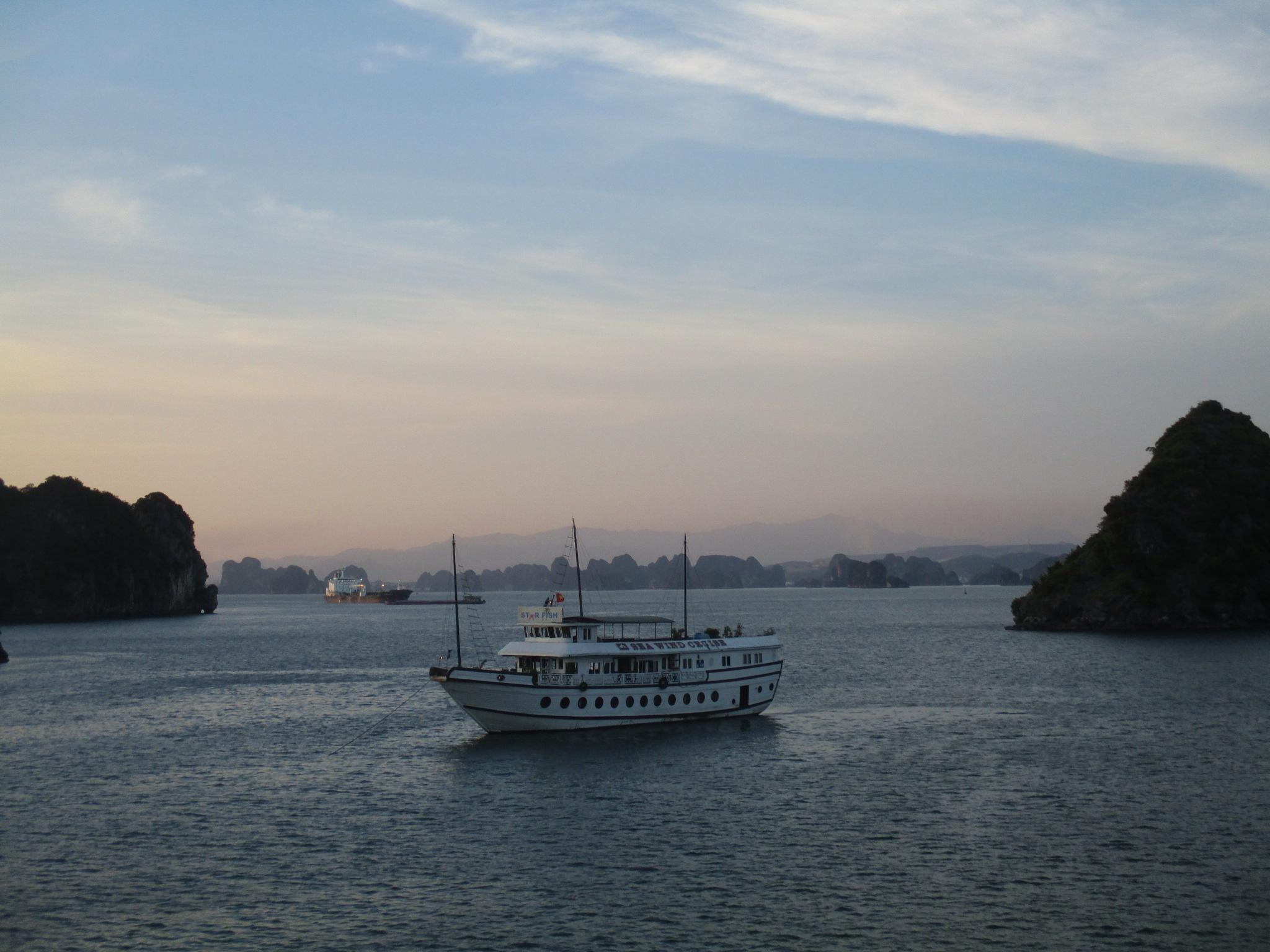 Quảng Ninh: Gắn kết phát triển kinh tế biển, đảo với củng cố quốc phòng - an ninh