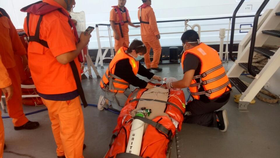 Cứu hành khách quốc tịch Canada gặp nạn trên biển