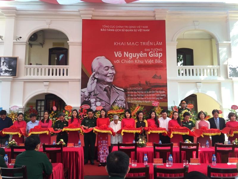 Nhiều tư liệu quý về Đại tướng Võ Nguyên Giáp với Chiến khu Việt Bắc