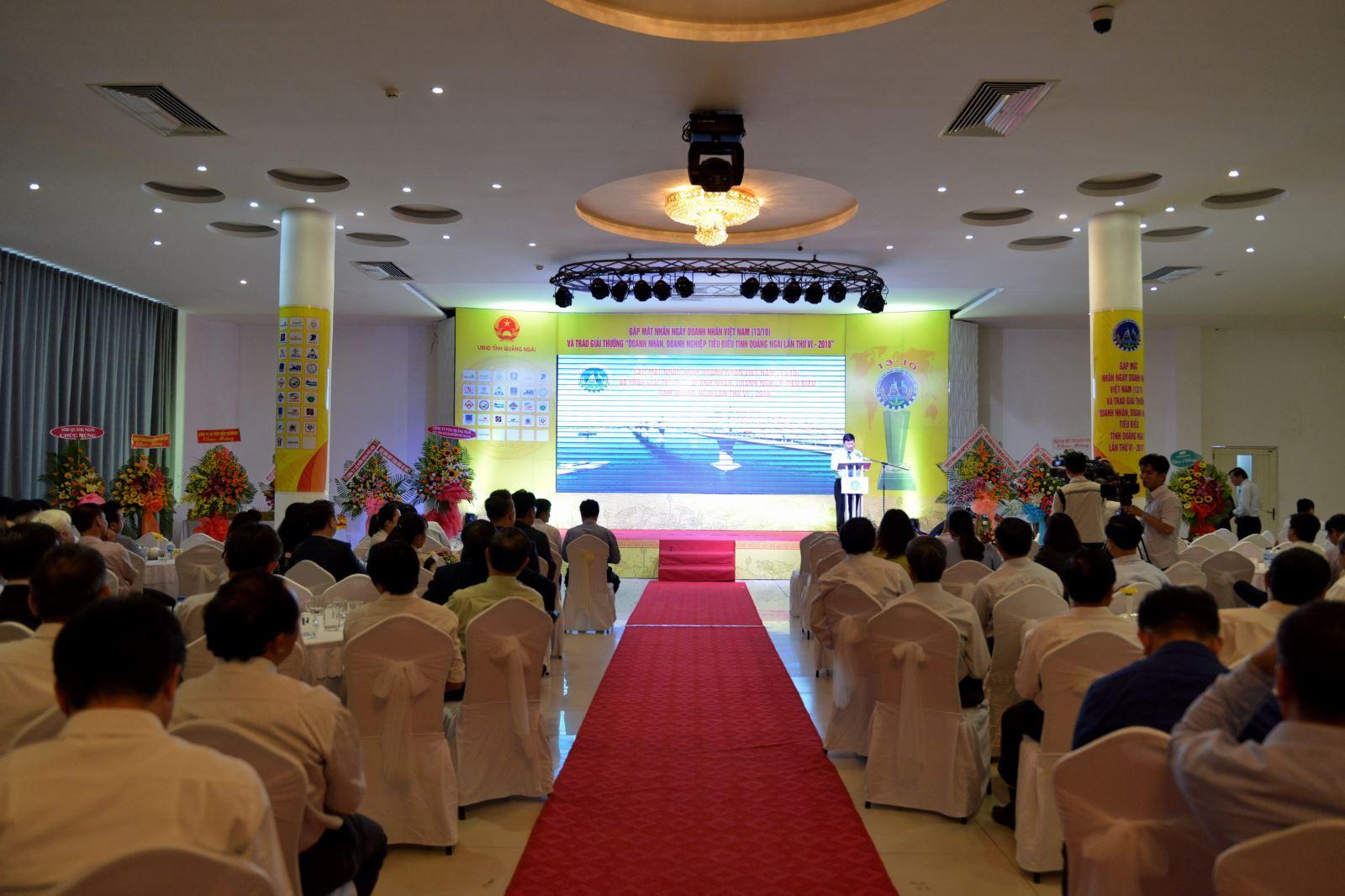 """BSR được vinh danh """" Doanh nghiệp đóng góp tích cực vào sự phát triển kinh tế - xã hội tỉnh Quảng Ngãi năm 2018"""""""