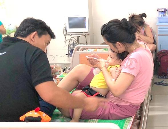 Quảng Ngãi: Một bệnh nhi mắc bệnh tay chân miệng đã tử vong