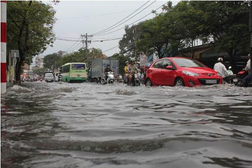 Vùng áp thấp ít có khả năng mạnh lên, Nam Bộ có nguy cơ ngập sâu do triều cường