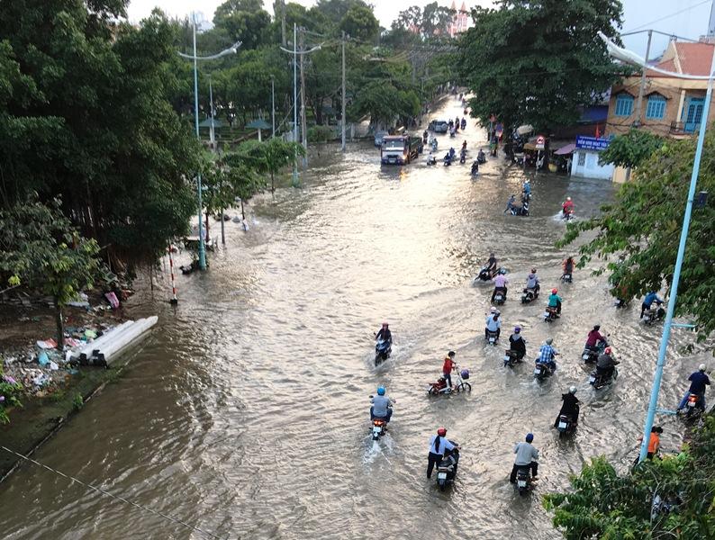 Triều cường bủa vây TP.Hồ Chí Minh