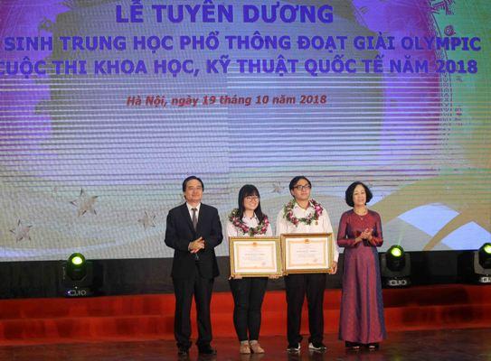 Tuyên dương học sinh THPT đoạt giải Olympic và cuộc thi khoa học, kỹ thuật quốc tế năm 2018