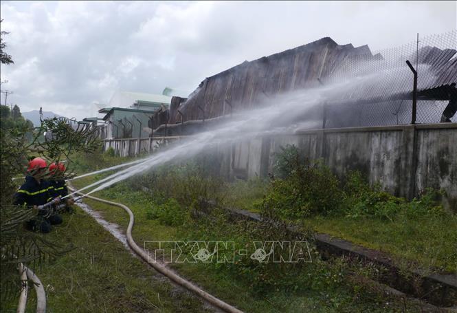 Dập tắt vụ cháy lớn tại Khu công nghiệp Phú Tài, Bình Định