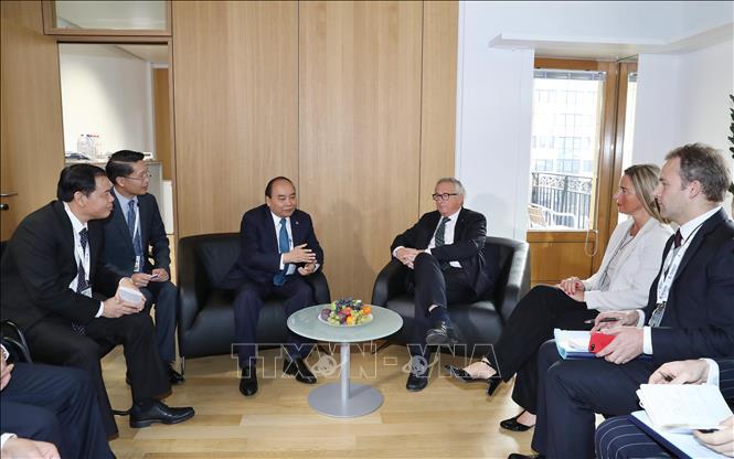 Thủ tướng Nguyễn Xuân Phúc tiếp xúc song phương nhân dịp Hội nghị Cấp cao ASEM12