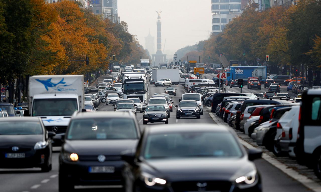 Các nước EU nhất trí mức cắt giảm khí thải CO2 đối với xe ô tô