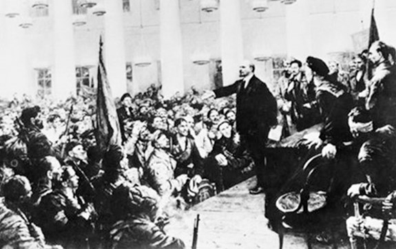 Kiên định con đường Cách mạng Tháng Mười Nga