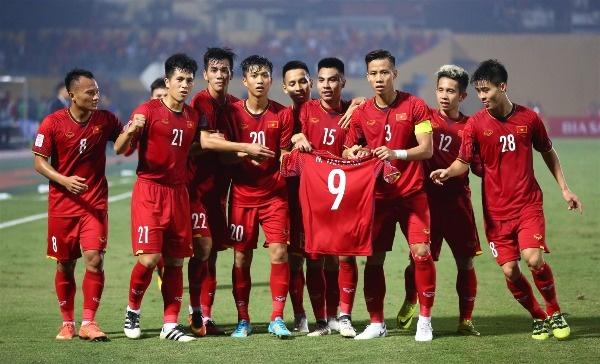 Đè bẹp Campuchia, tuyển Việt Nam tiến vào bán kết AFF Cup