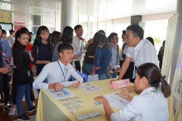 Đại học Đồng Tháp: Thúc đẩy các giải pháp hỗ trợ sinh viên tìm kiếm việc làm sau khi tốt nghiệp