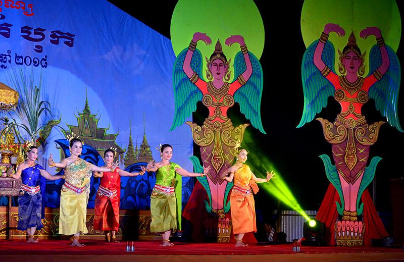 Nét đẹp văn hóa trong Lễ hội Ok Om Bok của đồng bào Khmer