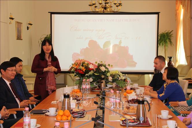 Tri ân các thầy, cô giáo nhân kỷ niệm ngày Nhà giáo Việt Nam tại Đức