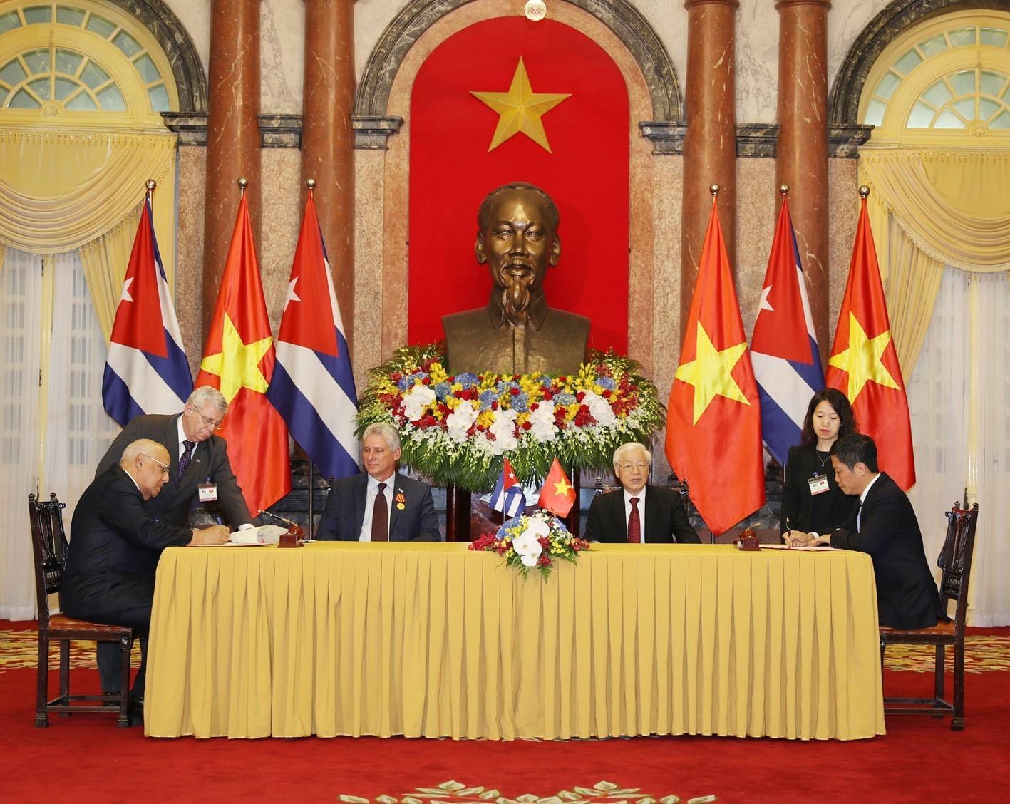 Xóa bỏ hoặc cắt giảm thuế đối với gần 100% mặt hàng nhập khẩu từ thị trường hai nước Việt Nam - Cuba