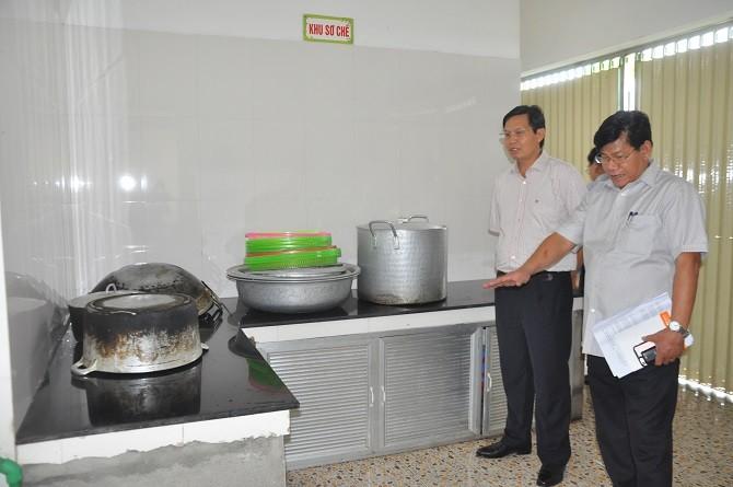 Hà Nội: Tập trung nguồn lực cứu chữa các bệnh nhi nghi bị ngộ độc thực phẩm ở Đông Anh