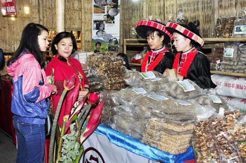 Hơn 200 doanh nghiệp tham gia Hội chợ Đặc sản vùng miền Việt Nam