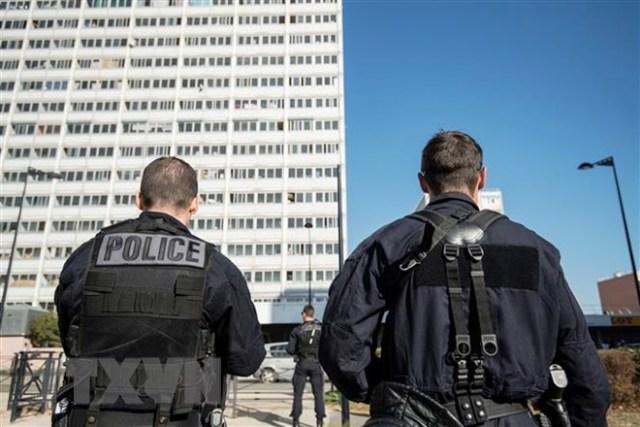 Pháp triệt phá âm mưu tấn công bằng dao nhằm vào Tổng thống Macron
