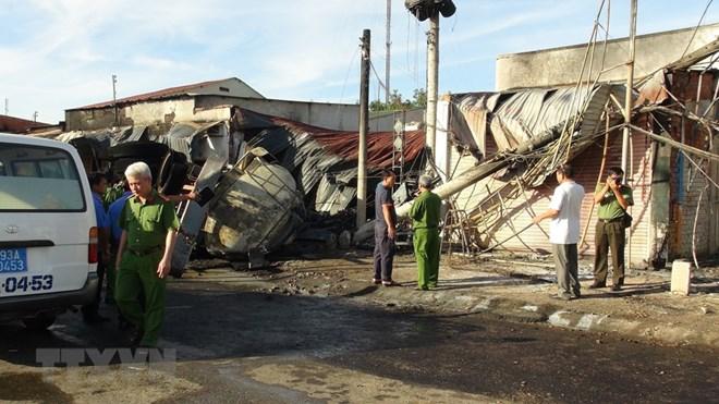 Xử lý nghiêm các hành vi vi phạm trong vận chuyển hàng hóa dễ cháy nổ