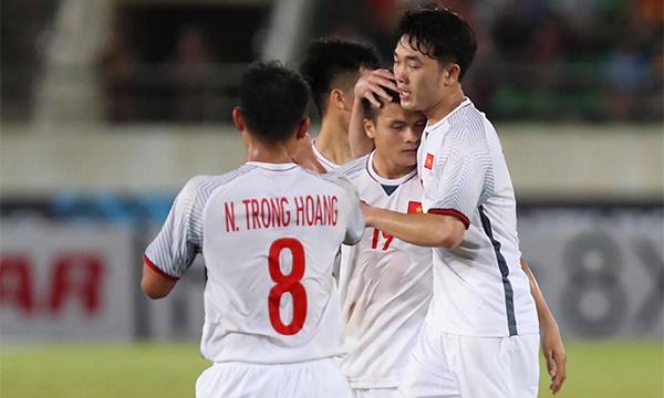 Tuyển Việt Nam khởi đầu suôn sẻ tại AFF Cup