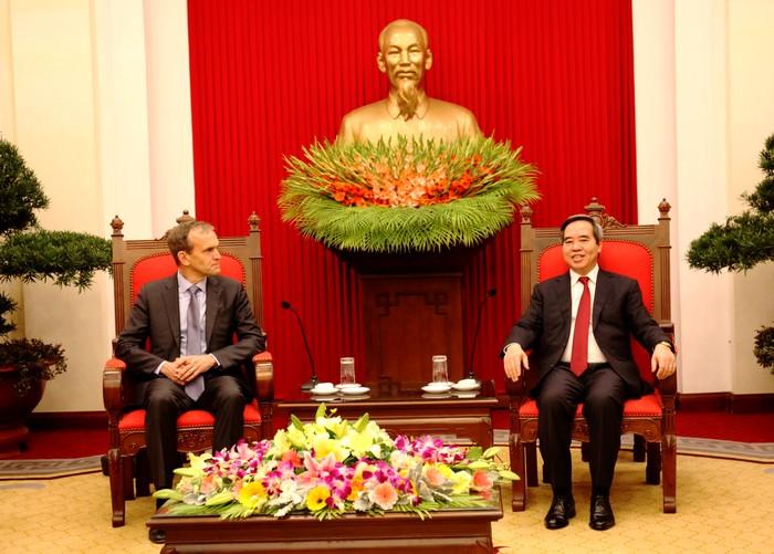 Đề nghị Google tiếp tục hợp tác hỗ trợ phát triển công nghệ thông tin tại Việt Nam
