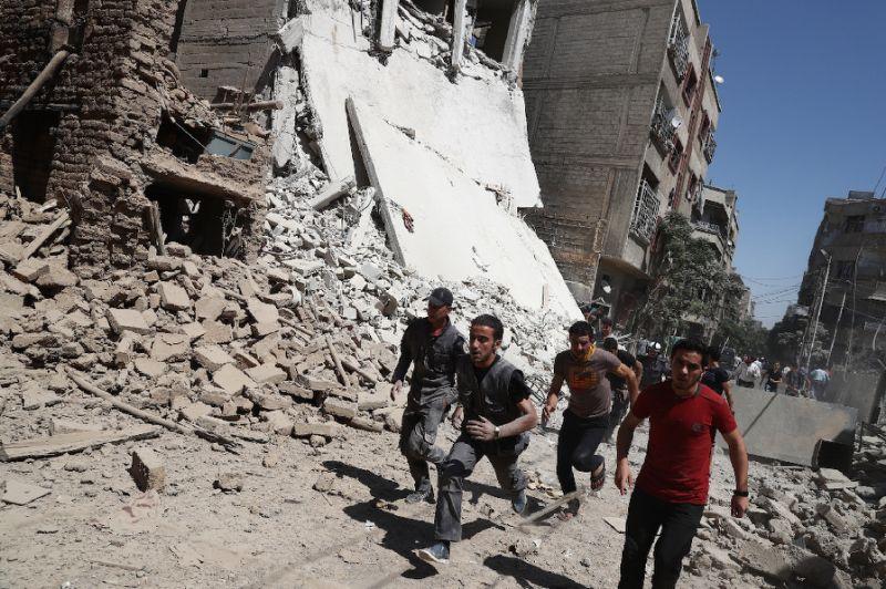 Liên quân không kích các vị trí quân sự của chính phủ Syria