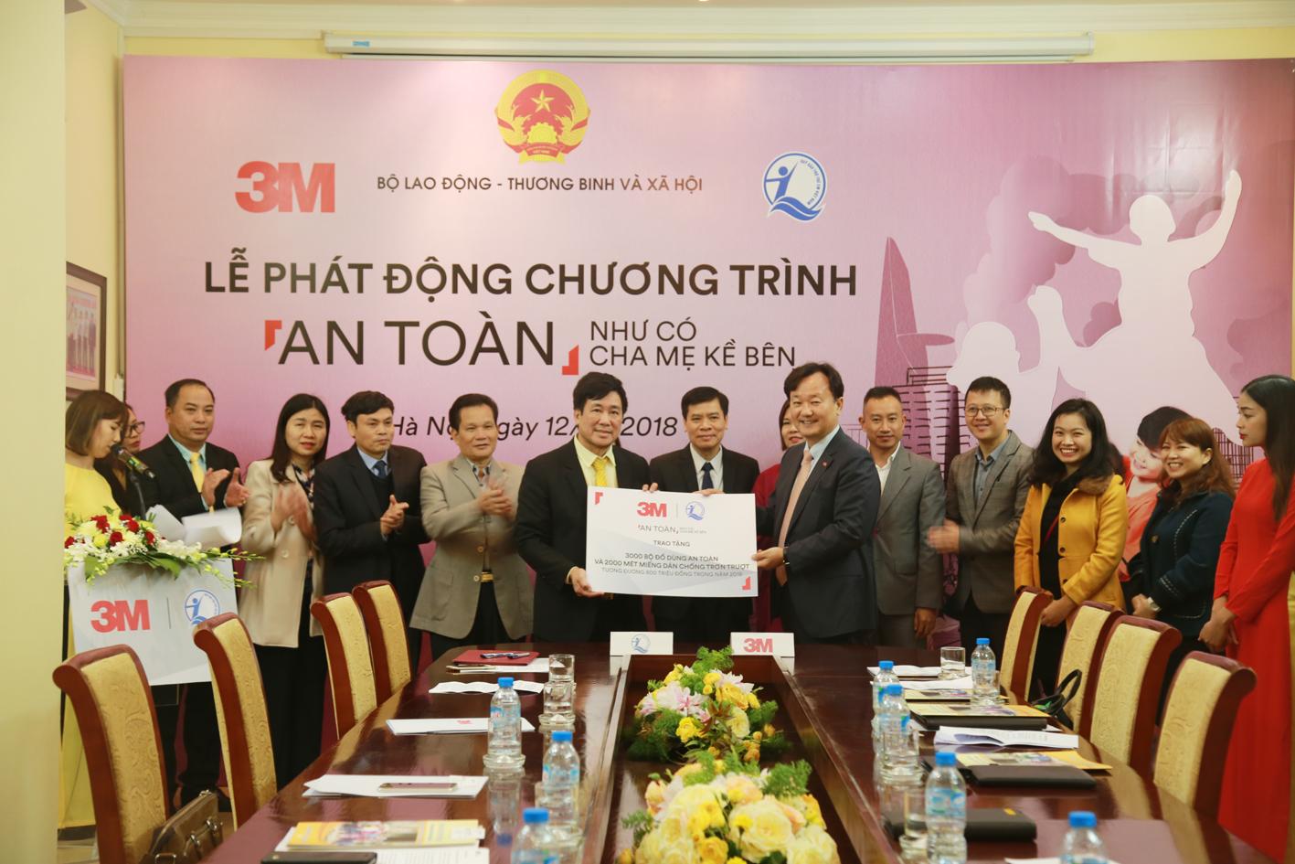 Công ty TNHH 3M Việt Nam hỗ trợ 3.000 bộ sản phẩm bảo vệ trẻ em