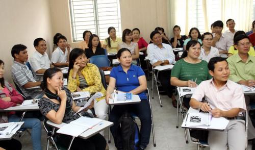 """Khắc phục triệt để tình trạng """"điểm danh, ghi tên"""" trong tập huấn, bồi dưỡng giáo viên"""