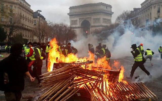 Cảnh báo về hậu quả kinh tế từ làn sóng biểu tình bạo lực ở Pháp