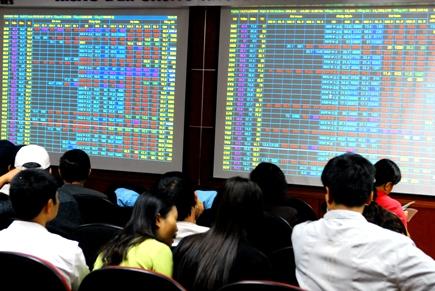 Tháng 11/2018  khối lượng  giao dịch cổ phiếu niêm yết trên HNX giảm 30%