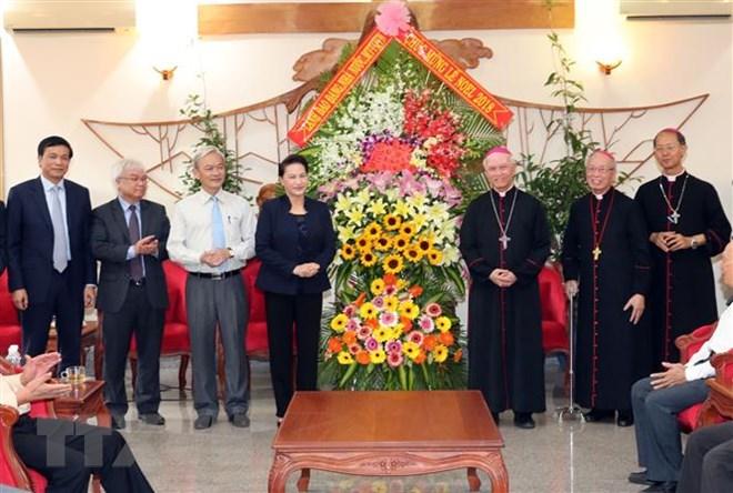 Chủ tịch Quốc hội chúc mừng Giáng sinh tại Giáo phận Xuân Lộc
