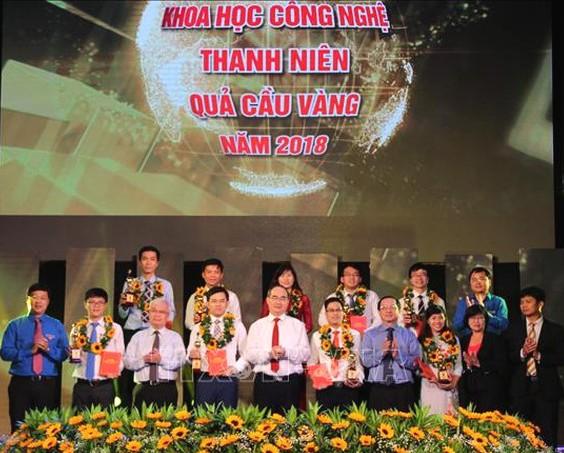 10 tài năng trẻ nhận giải thưởng Khoa học công nghệ thanh niên Quả cầu vàng năm 2018