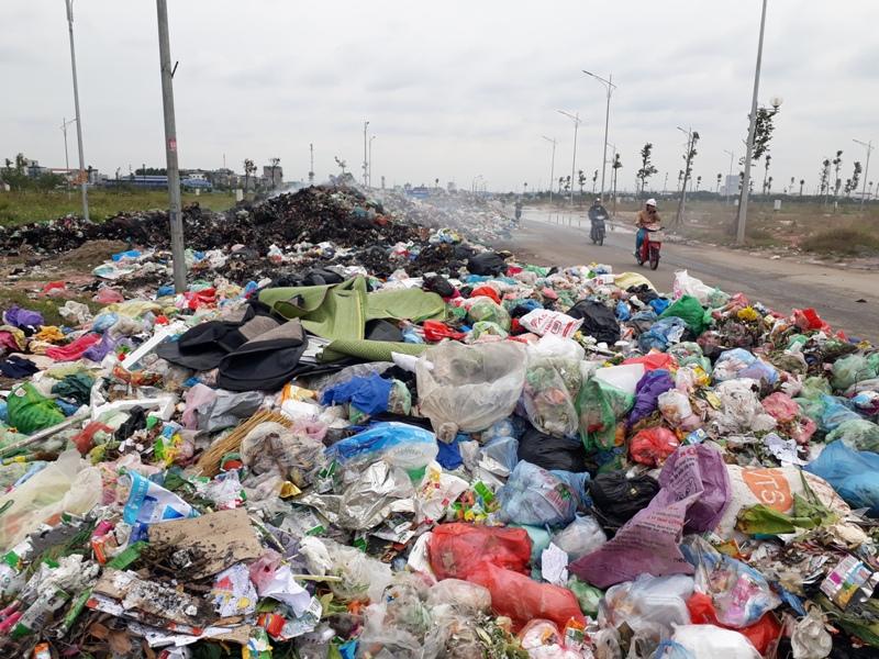 Xã Phù Chẩn, Từ Sơn (Bắc Ninh): Người dân khổ sở vì rác