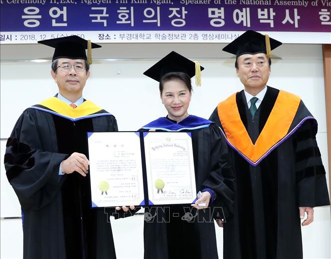 Đại học Quốc gia Pukyong (Hàn Quốc) tặng Chủ tịch Quốc hội Nguyễn Thị Kim Ngân bằng Tiến sĩ danh dự
