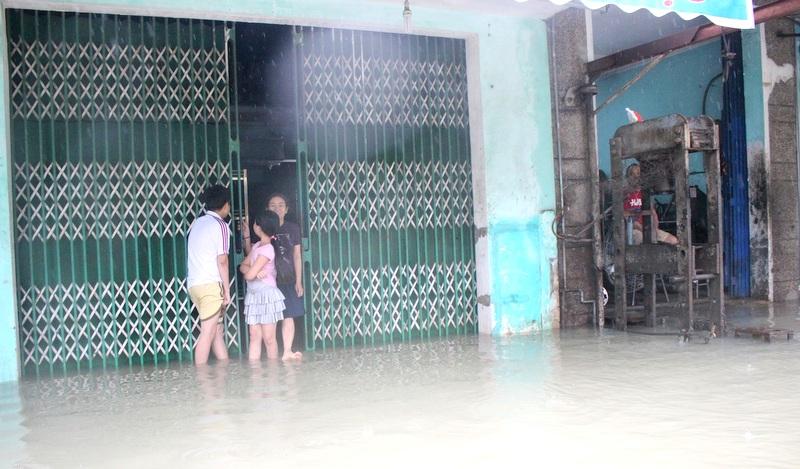 """Thành phố Tam Kỳ (Quảng Nam) """"chìm"""" trong biển nước"""