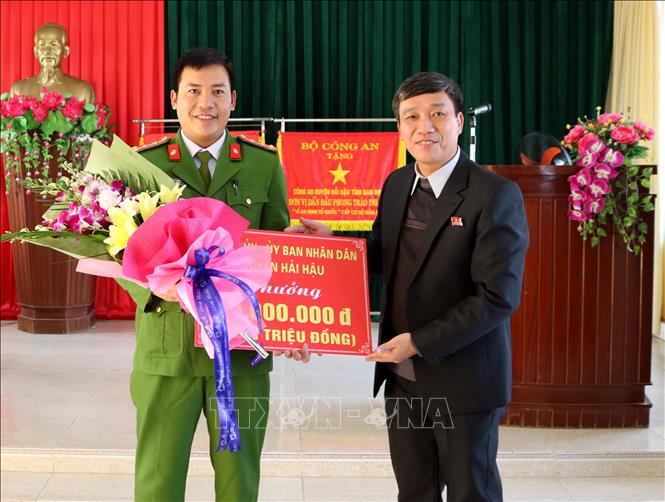 Khen thưởng thành tích phá đường dây ma túy lớn tại Nam Định