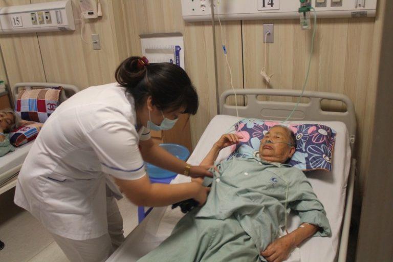 Chính sách bảo hiểm y tế mới bảo đảm quyền lợi cho người khám chữa bệnh