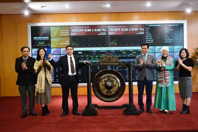 Cổ phiếu CTCP Cấp nước Gia Định và CTCP Xuất nhập khẩu Đông Dương chính thức lên sàn