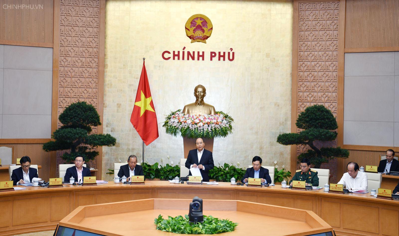 Thúc đẩy phát triển sản xuất kinh doanh, chuẩn bị phục vụ nhân dân đón Tết